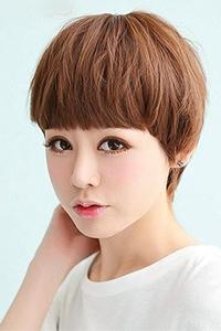 波波头短发女生个性染发发型