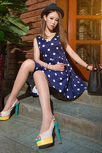 [丽柜]波点裙美女语寒肉丝高跟诱惑