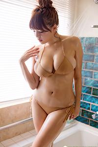 [DGC]日本美女筱崎爱 巨乳肥臀诱惑内衣套图