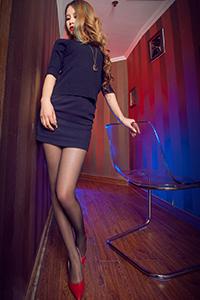 [丽柜写真]丝袜腿模语寒 黑色诱惑美腿写真
