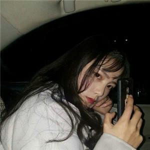 qq高清超拽霸气的女生黑白头像