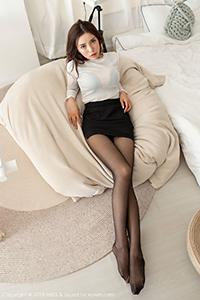 [秀人·爱蜜社]OL美女陈思琪制服诱惑纤纤玉足