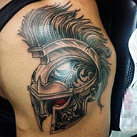 欧美男纹身半甲个性图案