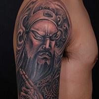 一幅男生喜欢的关公龙斩纹身手稿