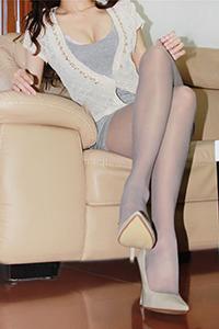 丝魅VIP 90后腿模肉丝长腿极品美乳演绎微光之美照片