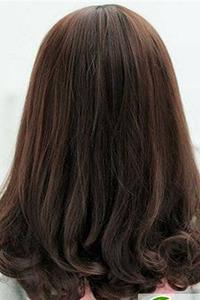 时尚好看的齐肩梨花头卷发发型